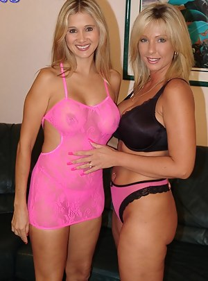 Free Lesbian Porn Pictures